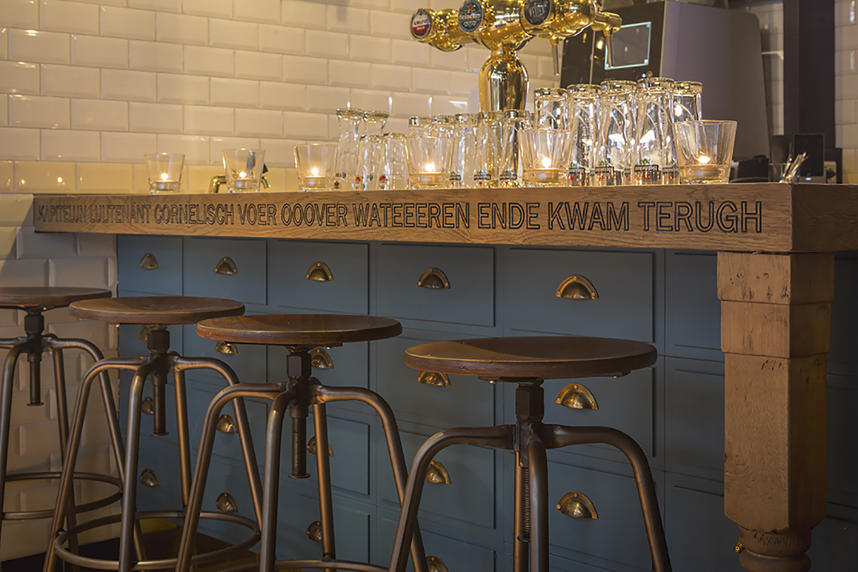 Lt. Cornelis Amsterdam bar 2