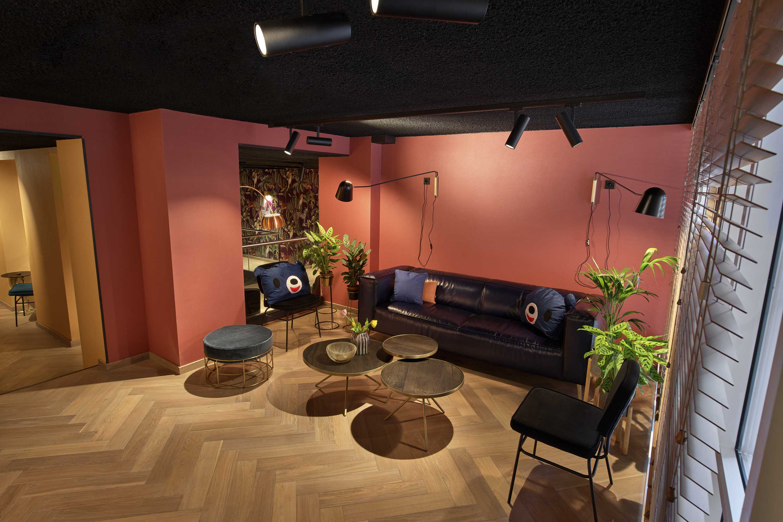 The-ed-hotel-amsterdam-lobby-lounge