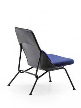 Strain easy chair